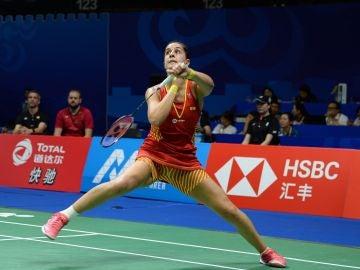 Carolina Marín jugando contra Sato