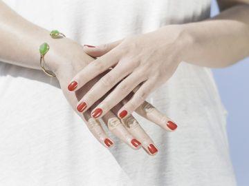 Lucir unas uñas perfectas empieza por comer bien.
