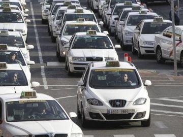 Noticias de la mañana (02-08-18) Los taxistas de Madrid y Barcelona desconvocan la huelga