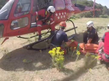 Los bomberos rescatan a dos montañeros por accidentes