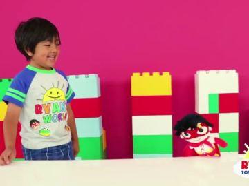 Un niño de 6 años crea su propia línea de juguetes