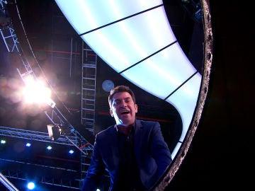 Arturo Valls exige una explicación a un concursante de '¡Ahora Caigo!'