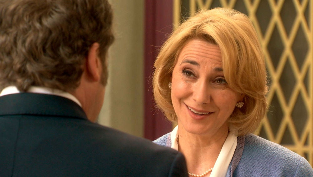 Matilde finge un acercamiento con Ortega