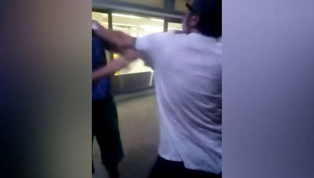 Investigan la presunta agresión de un taxista