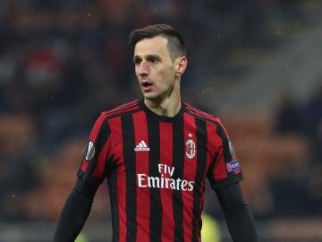 Nikola Kalinic en un partido con el Milan