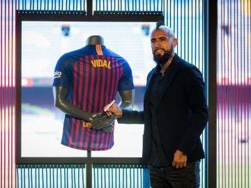 Arturo Vidal, en su presentación en el Camp Nou