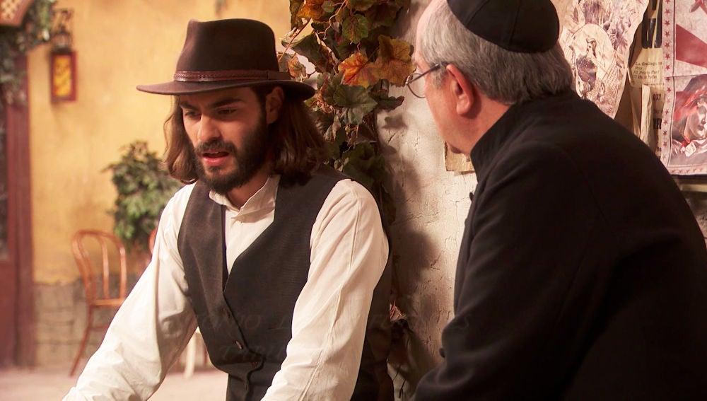 Isaac le confiesa a don Anselmo que Antolina está embarazada de él