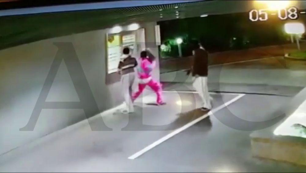 Intentan robar en un hotel de Alcalá de Henares rompiendo las ventanas