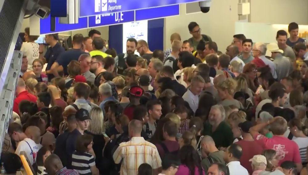 Retrasos y cancelaciones en aeropuerto de Frankfurt por medidas policiales