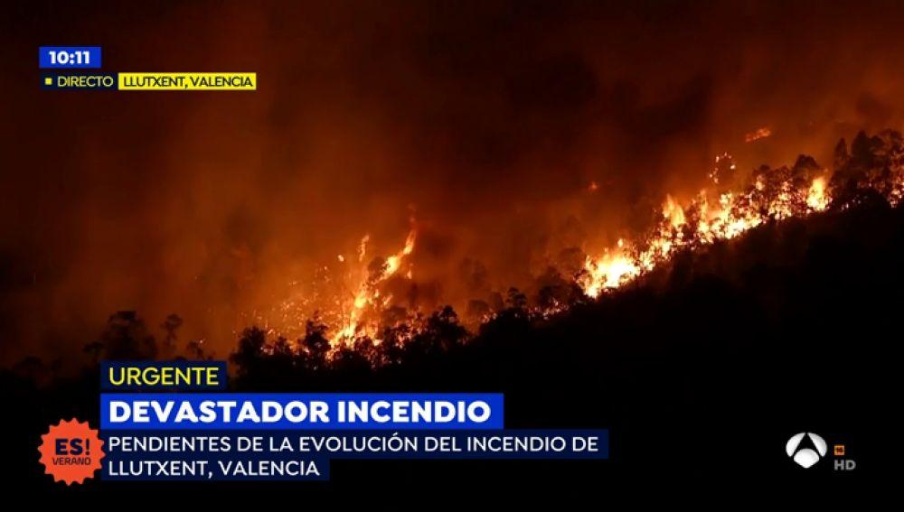 2.500 personas desalojadas en un incendio que ha quemado más 1.000 hectáreas en Llutxent, Valencia