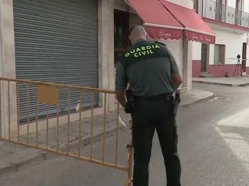 Hallan muerto y amordazado a un joyero en su tienda de Carmona, Sevilla