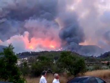 Noticias 1 Antena 3 (07-08-18) El incendio de Llutxent quema más de 750 hectáreas y obliga a desalojar a 2.500 personas