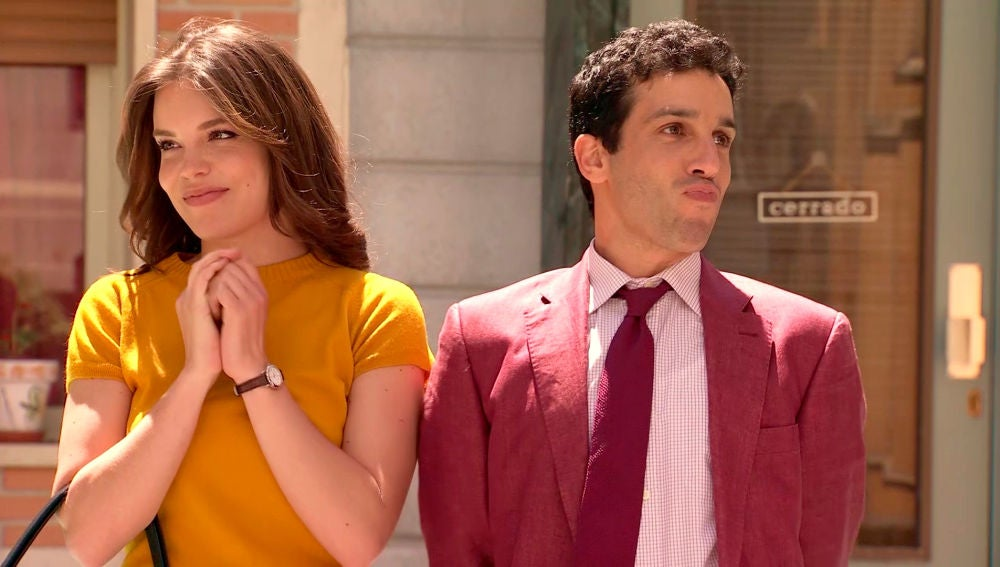 María e Ignacio pasean su amor para felicidad de sus padres