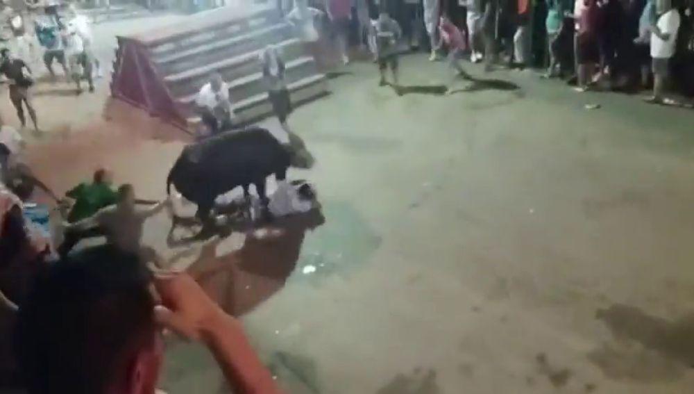 Los 'bous al carrer' de Calp en Alicante dejan cuatro heridos