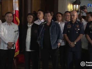 El presidente filipino amenaza de muerte a los policías corruptos