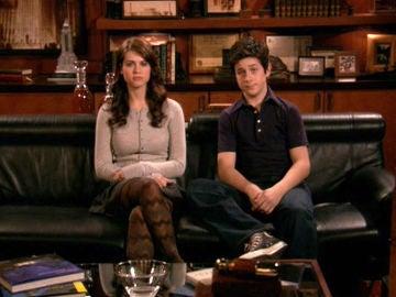 Penny y Luke Mosby (Lyndsy Fonseca y David Henrie)