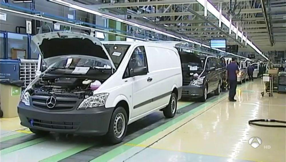 Casi un millón de vehículos de Renault y Mercedes en Europa, llamados a revisión por la emisión de gases