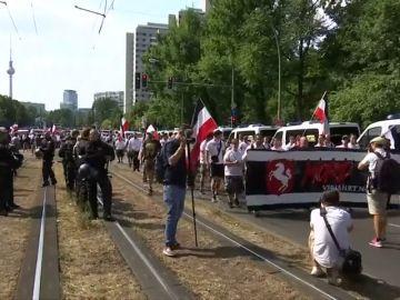 Más de 600 neonazis homenajean a Rudolf Hess en una manifestación en Alemania