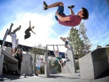 Adolescentes que imitan a deportistas de riesgo