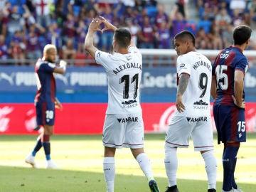 Alex Gallar celebra un gol de Huesca