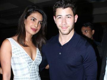 Priyanka Chopra y Nick Jonas en Bombay
