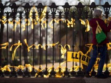 Noticias de la Mañana (20-08-18) El Govern inicia acciones contra las 14 personas que planeaban retirar lazos amarillos