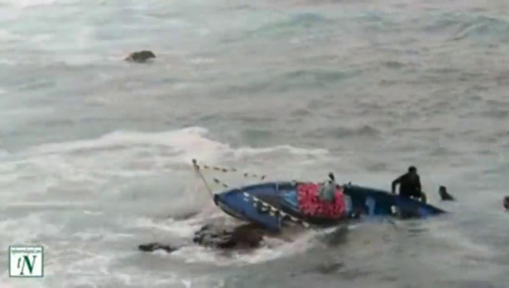 Cae al mar la talla de una Virgen durante una procesión