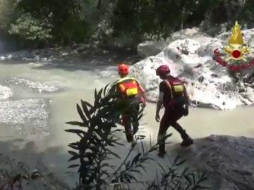 Al menos diez muertos al desbordarse el río Raganello en el sur de Italia