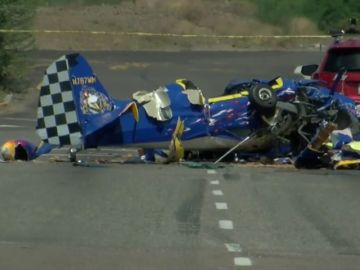 Se estrella avioneta en autopista de Phoenix