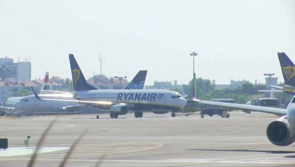 Ryanair se disculpa por enviar cheques de compensación defectuosos
