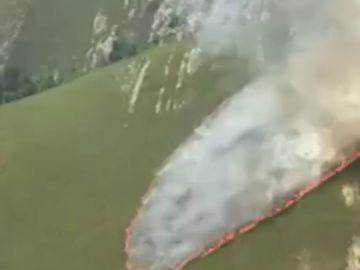 Dos incendios forestales en el parque natural de Invernadoiro, en Ourense