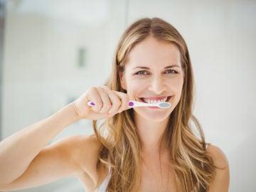 Cepillándose los dientes