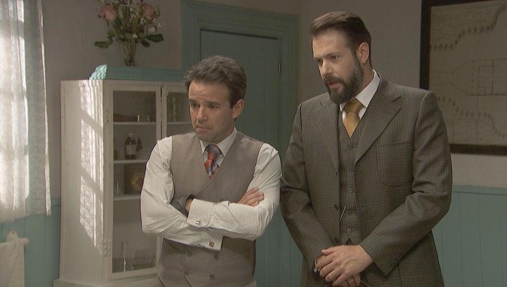 Carmelo y Severo informan de la gran noticia: Basilio ha muerto