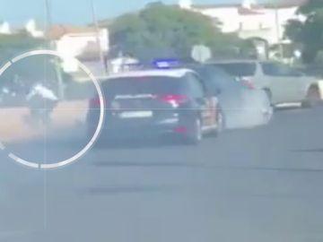 La policía persigue a un todoterreno cargado de droga y detiene a su conductor