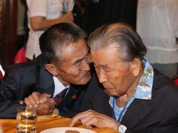 Termina entre lágrimas la primera ronda de reencuentros de familias coreanas