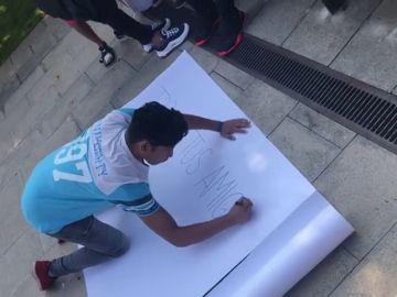 Apoyan al detenido por acoso en Olot