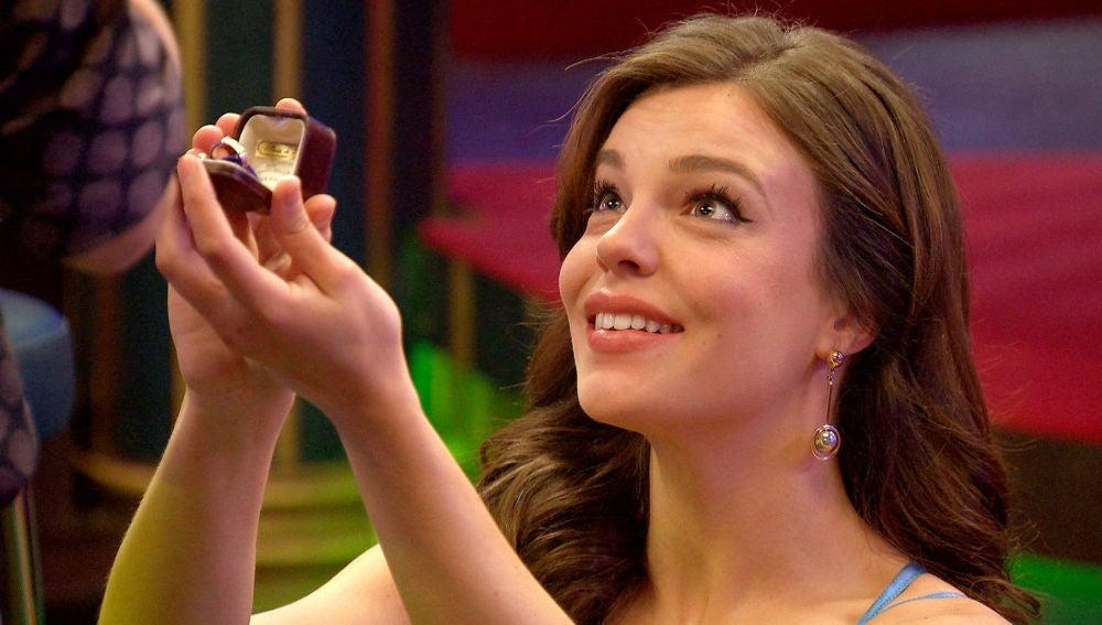 """María toma las riendas y se arrodilla ante Ignacio: """"Quiero casarme contigo"""""""