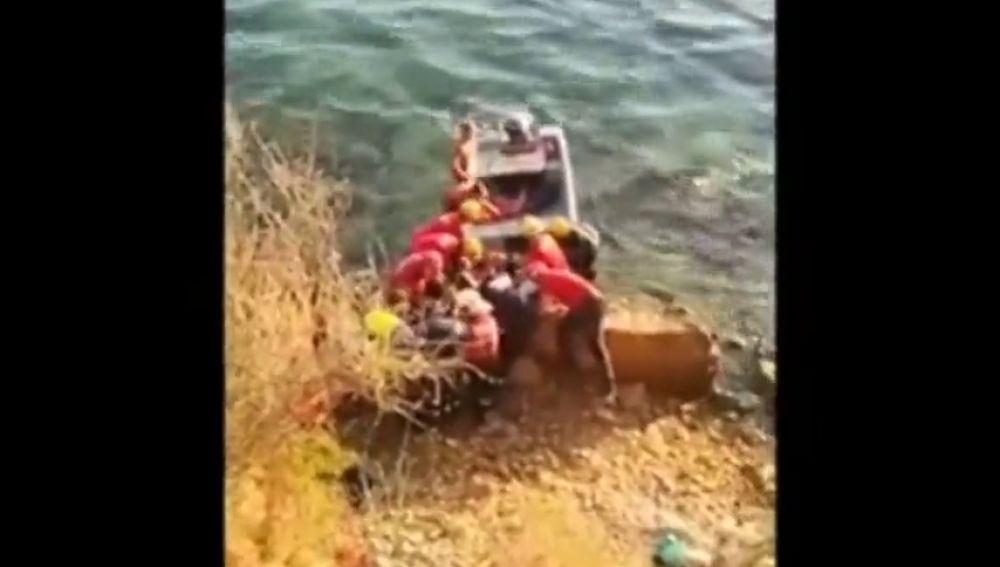 Un hombre sufre una grave caída tras caerse por una zona rocosa de Mallorca