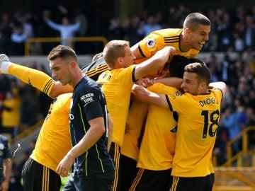 El Wolverhampton celebra un gol