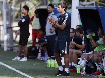 Raúl debuta como entrenador con un empate 1-1 contra el Gamba Osaka
