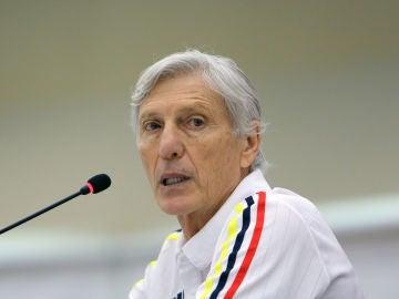 Pekerman deja de ser seleccionador de Colombia