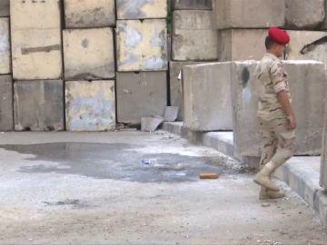 Detenido un hombre por lanzar explosivos cerca de la embajada de Estados Unidos en El Cairo