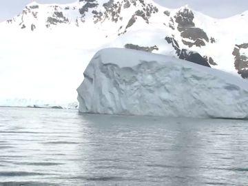 El iceberg gigante A68 está rotando y podría colisionar con la Antártida