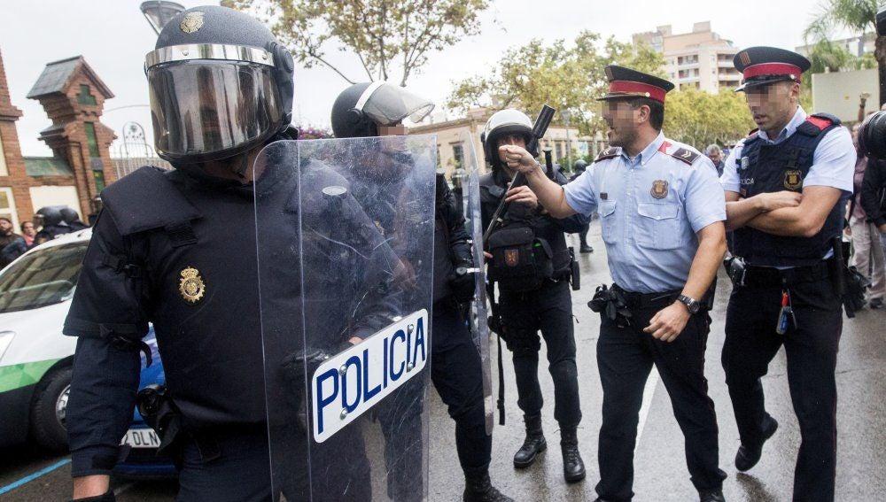Antena 3 Noticias 2 (05-09-18) Interior envía a 600 antidisturbios de la Policía a Cataluña por la Diada y el 1-O