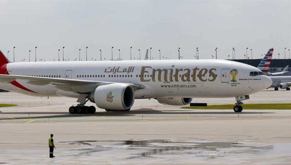 El vuelo, de la compañía Emirates, aterrizó en Nueva York alrededor de las 9.10 hora local (13.10 GMT) con unas 500 personas a bordo