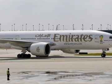 Imagen de archivo de un avión de la compañía Emirates.