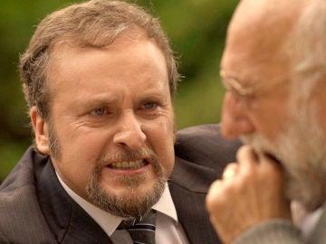 Ortega amedrenta a su vulnerable padre