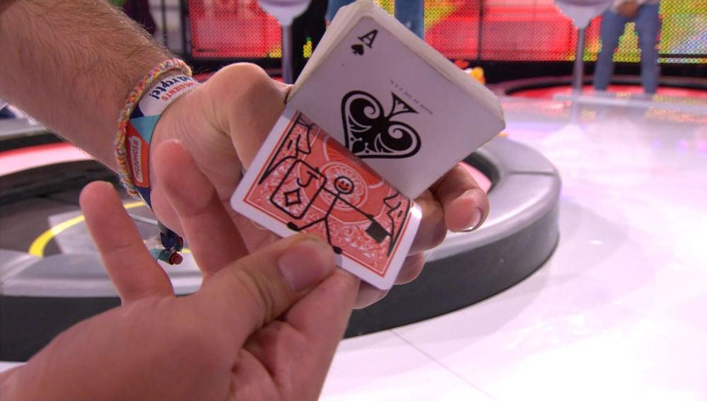 El truco de magia que deja impresionado a Arturo Valls