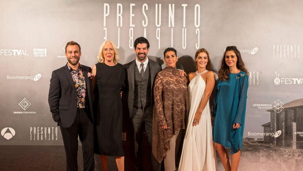 El público aplaude la premiere de 'Presunto Culpable' en el FesTVal de Vitoria