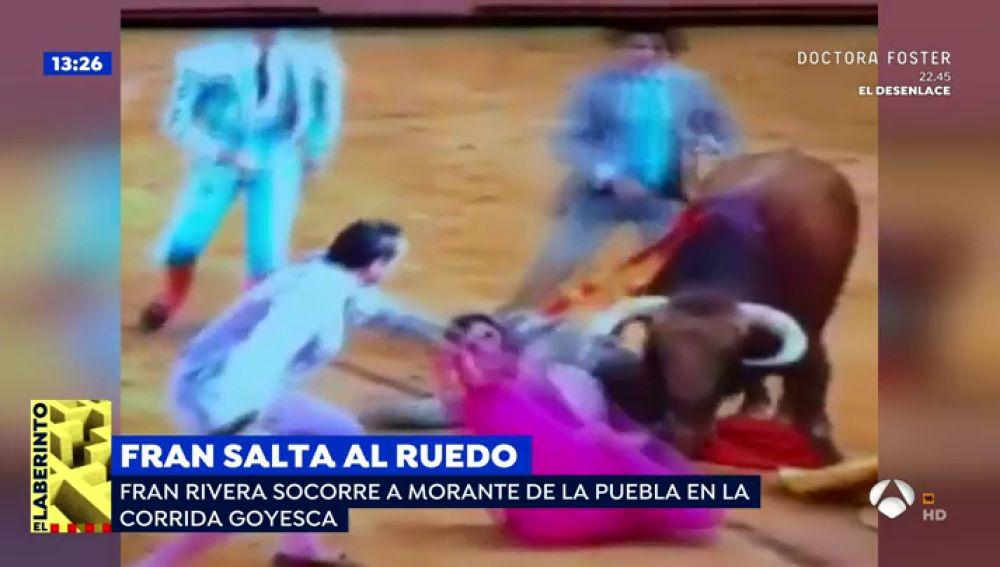 Fran Rivera salta al ruedo desde la grada para auxiliar a Morante de la Puebla en la Goyesca